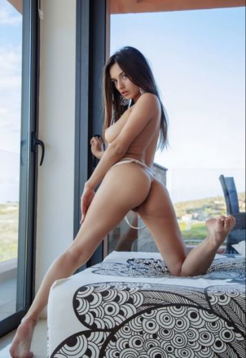 Kimberly Latina escort